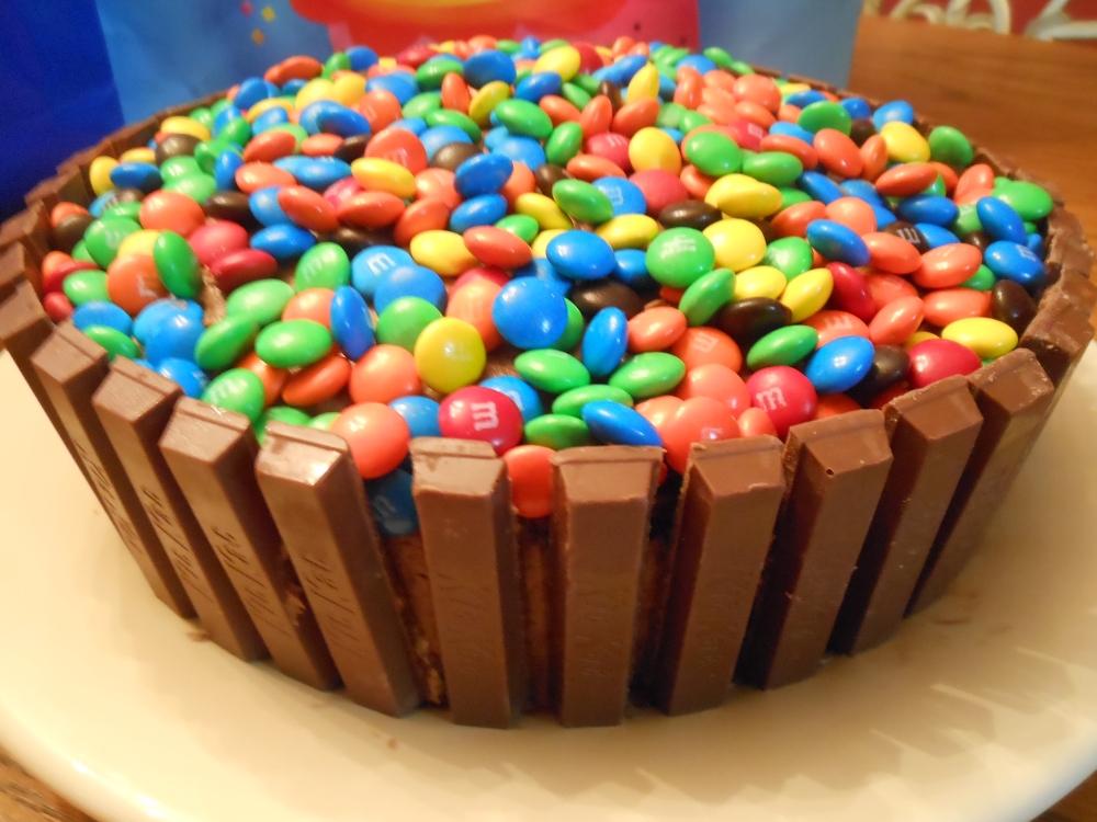 Kit Kat Cake (2/4)