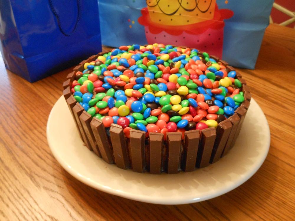 Kit Kat Cake (4/4)